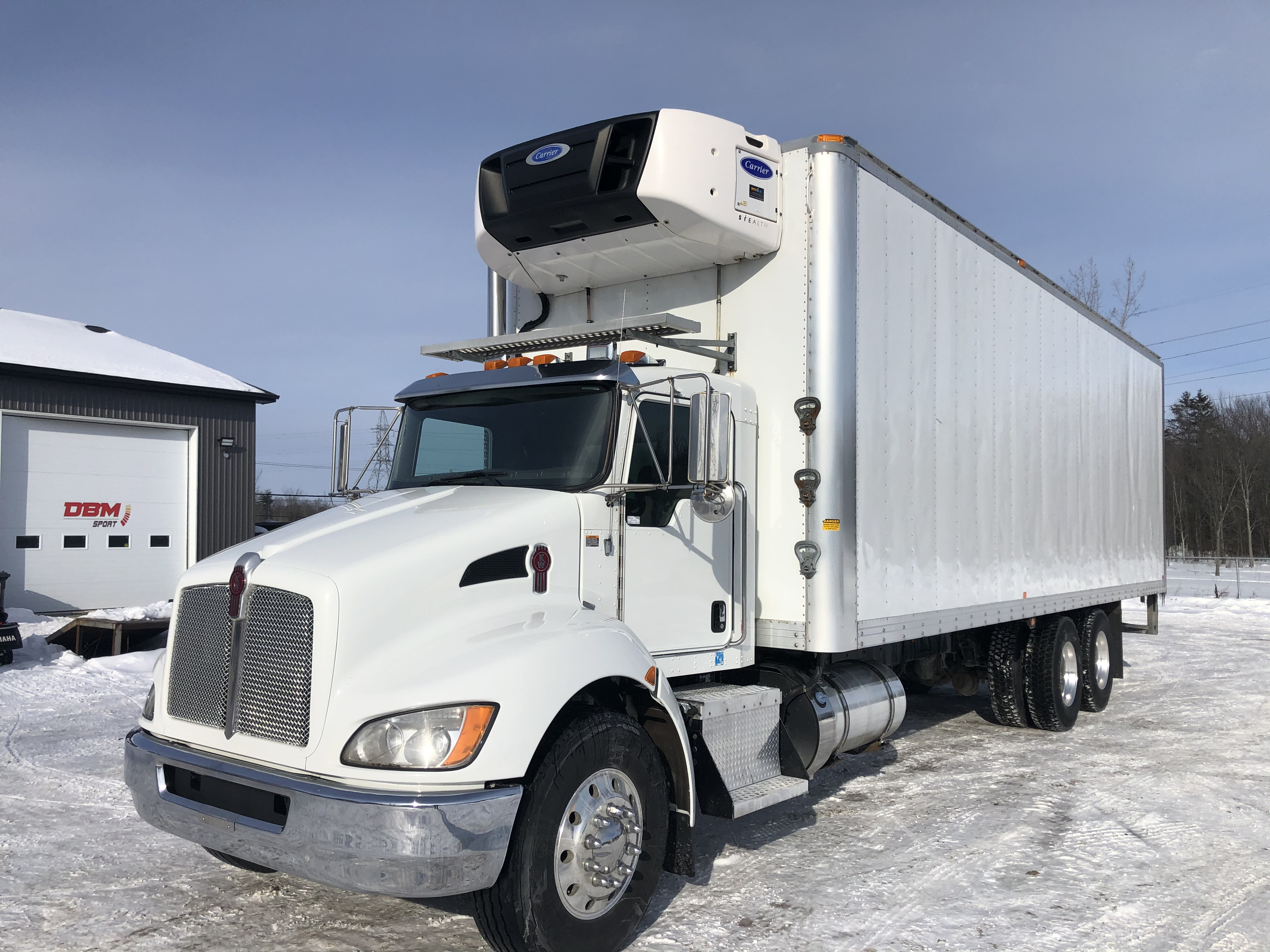 2016 Kenworth T370 30′ Body/ Carrier Supra 960